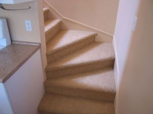 upper-stairs-to-bedroom